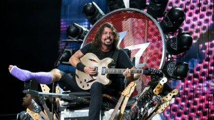 Dave Grohl Broken Leg Concert